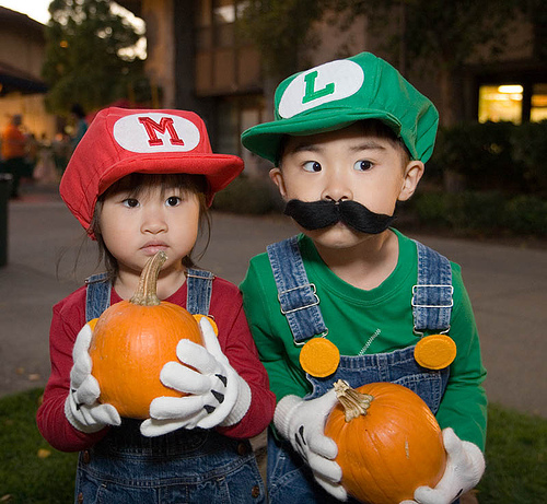 picture of cute super mario bros brothers halloween costume